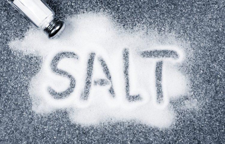 افزودنی آنتی کیک در نمک خوراکی