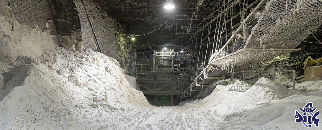 استخراج نمک از معدن نمک
